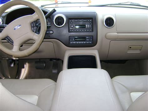 Ford Expedition 2004 Interior by 2003 Ford Expedition Interior Pictures Cargurus