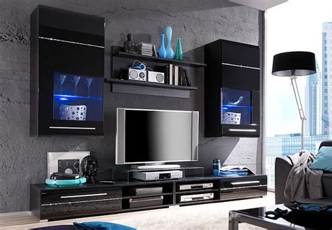 wohnzimmerwand schwarz weiß wandpaneele landhausstil