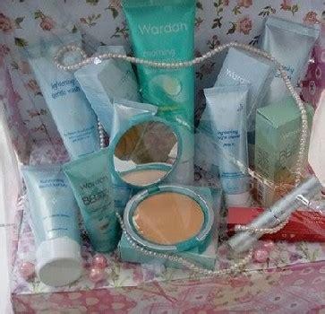 Satu Set Alat Make Up Wardah satu set make up wardah untuk seserahan makeup