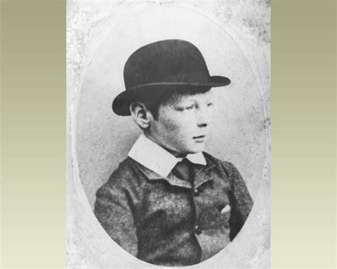 lincoln churchill statesmen at war books winston churchill s childhood history