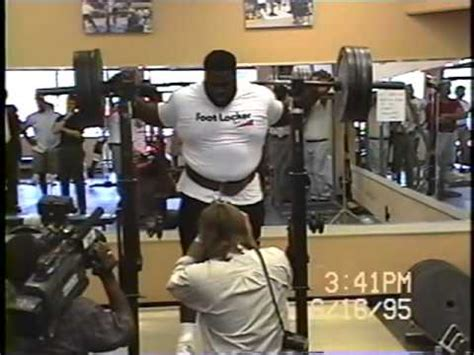mark henry bench press mark henry training at our gym back in1995 youtube