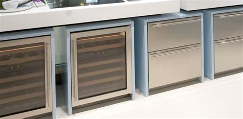 Sub Zero Drawer Refrigerator by Icb700br Integrated Undercounter Refrigerator Drawers From
