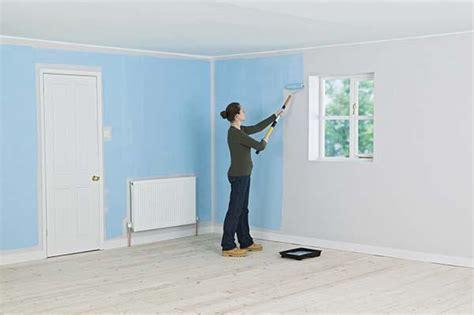 imbiancare soffitto tinteggiare casa