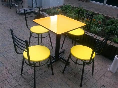 mesas y sillas para bar juego de sillas y mesa met 225 lica para bar restaurante