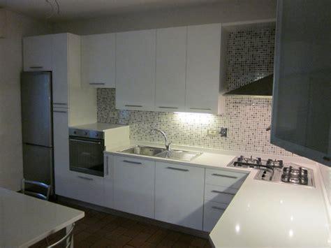cucine moderne con piano cottura ad angolo awesome cucine moderne con piano cottura ad angolo