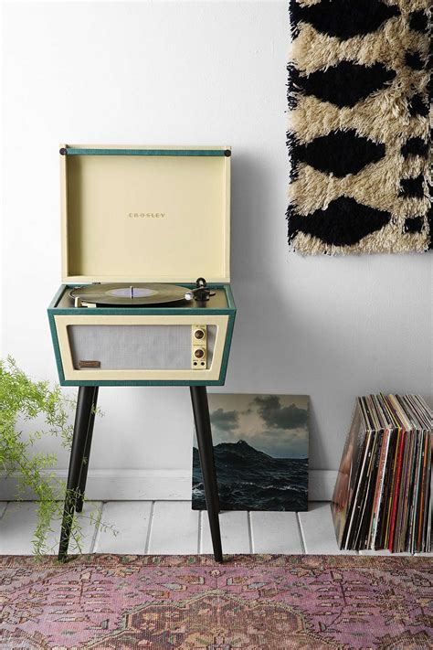 crosley  urban outfitters record player  stunning
