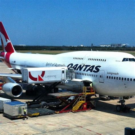top 25 ideas about cargo airlines qantas freight on trucks aviation magazine and