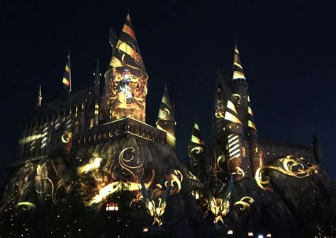 harry potter hollywood light show over 25 images of harry potter world s nighttime lights