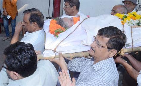 film actress nanda funeral celebs attend late actress nanda s funeral