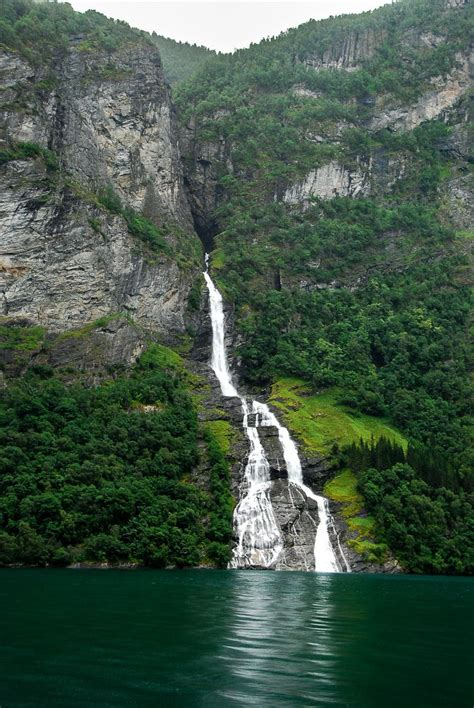 fjord def friaren is one of the major waterfalls in the