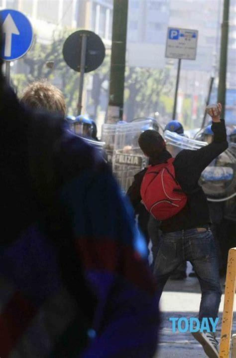 orari uffici equitalia proteste e scontri davanti agli uffici equitalia a napoli