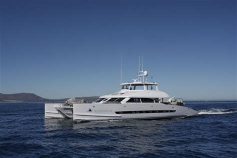 catamaran expedition yacht open ocean 750 expedition catamaran adventum underway