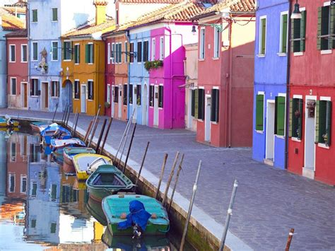 colorful houses painting buildings city burano venice italy picture nr 20591