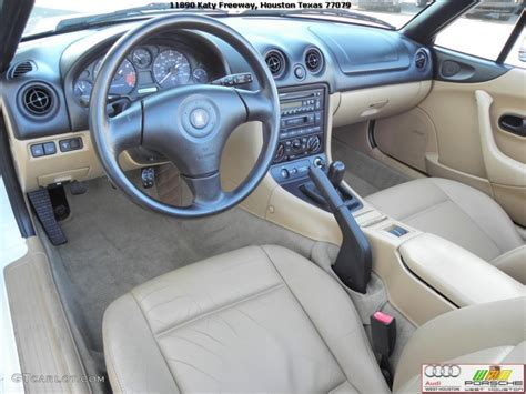 motor repair manual 2002 mazda mx 5 interior lighting beige interior 2000 mazda mx 5 miata roadster photo 40214817 gtcarlot com