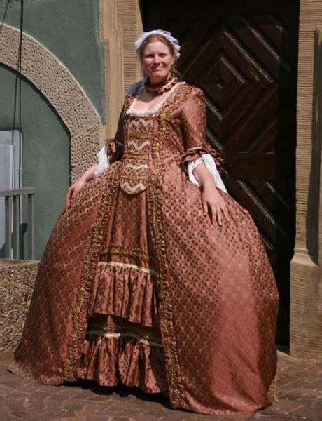 kleider aus der barockzeit