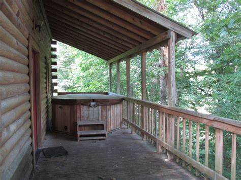 Cabins With Tubs In Wv by Family Cabins With Tubs Yokum S Vacationland