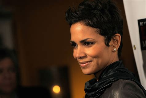 halle berry pixie side view halle berry shag short haircut side view thirstyroots