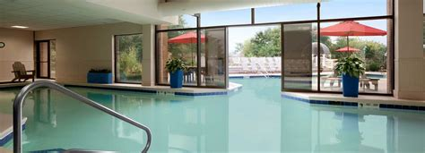 hotels with in room rochester ny rochester hotel with an indoor pool and fitness club
