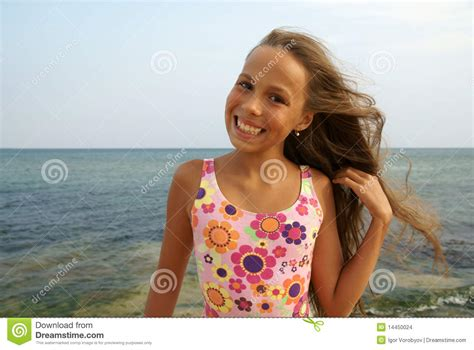 preteen beach preteen girl on sea beach stock images image 14450024