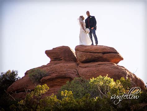 merry go round rock sedona arizona wedding photographer