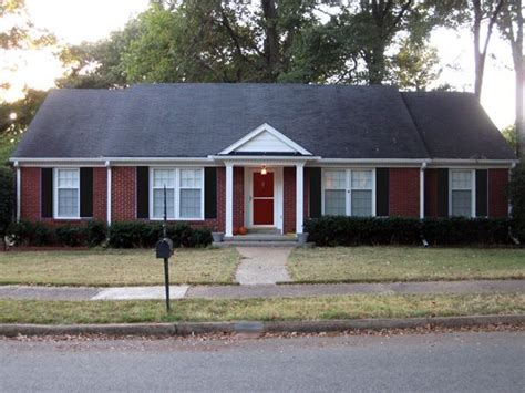 ranch style trim 12 best images about roofs on house plans benjamin and white shutters