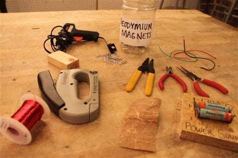 what do you need to make an electric circuit how to make a simple motor