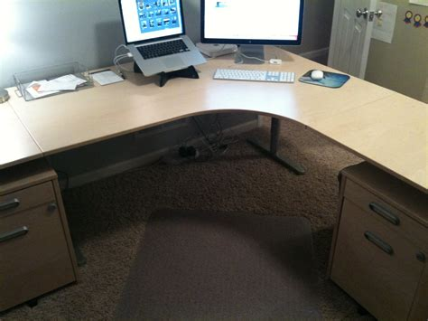 Left Handed Desk Setup The Four Ways To Configure A Desk What S Best Next