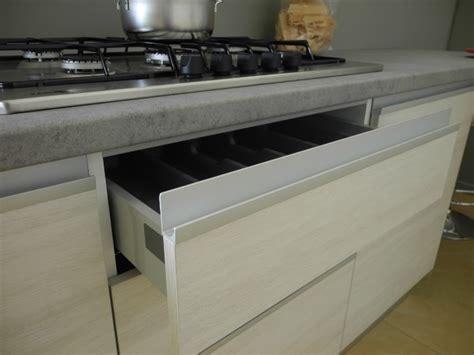 cucine con gola cucina design moderna con gola completa di elettodomestici