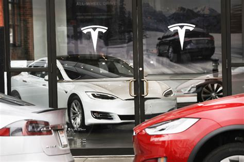 general motors market value tesla overtakes gm to become most valuable u s auto maker
