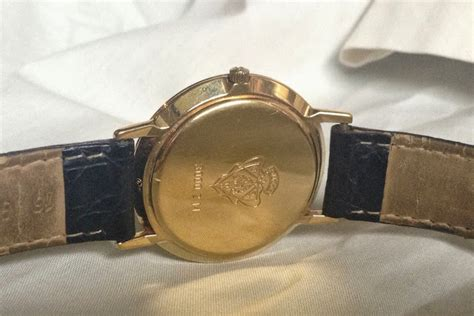 Jam Tangan Guess A 1863 Gold gucci sub second