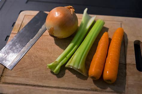 coniglio con carote sedano e cipolla coniglio in umido ricette cooker