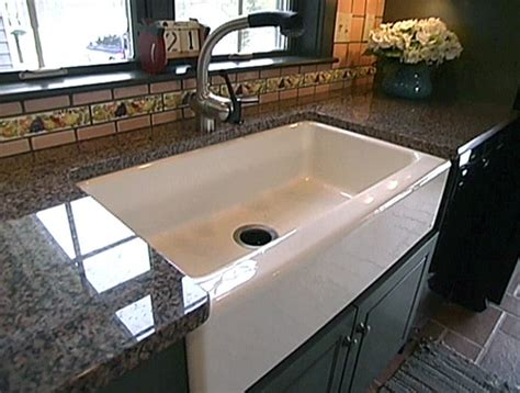 replacing a kitchen sink and how to install one