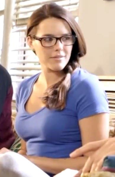 state farm commercial actress purse one for the road the girl from 4e