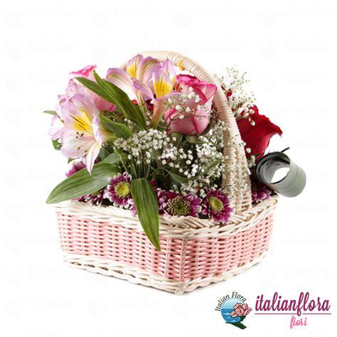 fiori in vendita cestino di e gigli rosa consegna a domicilio