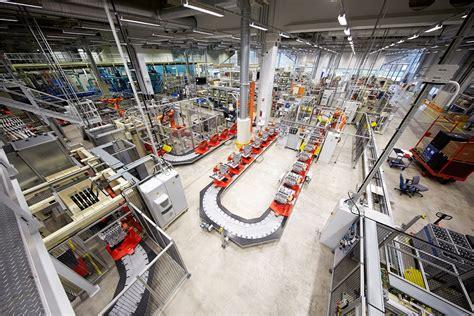 assembly  volvo cars engine factory  skoevde sweden volvo car group global media newsroom