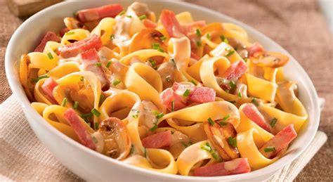 cuisiner l馮er le soir d 233 couvrez la recette des tagliatelles au bacon