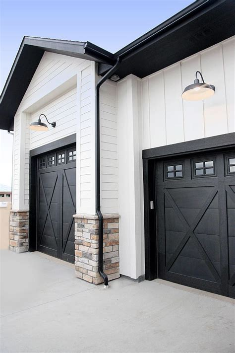 Best Garage Door Paint Best 25 Black Garage Doors Ideas On Paint Garage Doors Garage Exterior And Garage