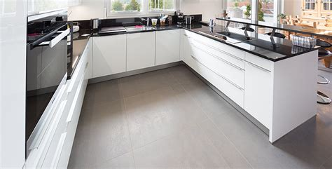bodenfliesen für küchen wohnzimmer decken design