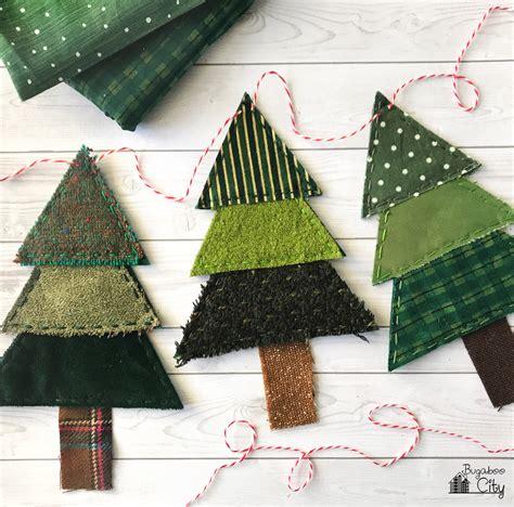 christmas tree banner  fabric scraps bugaboocity