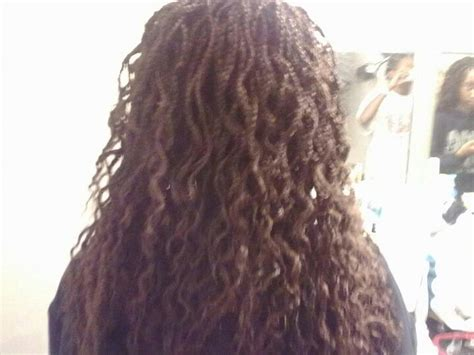 how to make box braids look wavy wavy box braids hairstlyes by me litifah pinterest