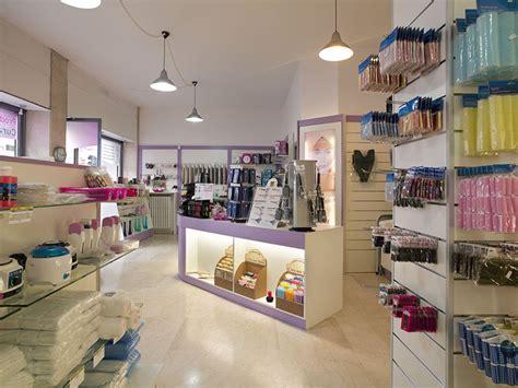 arredamenti per negozi beautiful negozi arredamento bergamo photos