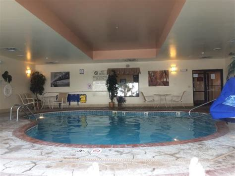 comfort inn edinboro pa photo0 jpg picture of comfort suites edinboro tripadvisor