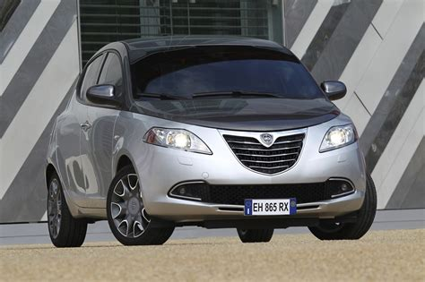 lancia ypsilon 2011 2011 lancia ypsilon photos informations articles