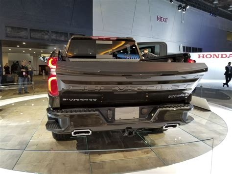 2019 Gmc 2500 Tailgate by The 2019 Chevy Silverado S Power Lift Tailgate