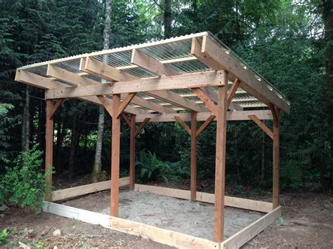 wood shed  built   floor  ill  pallets
