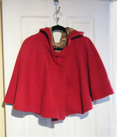 Handmade Cloaks - custom capes cloaks and capelets