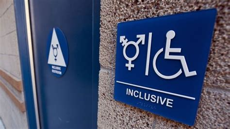 transgender bathroom federal federal government advises and warns schools on rights of transgender students