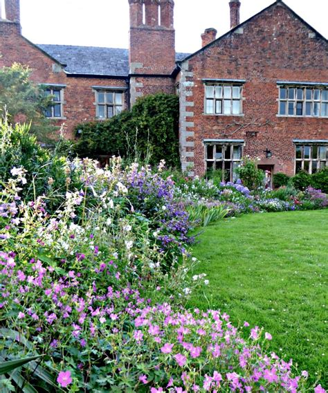 cottage gardens 10 ideas to from cottage gardens gardenista