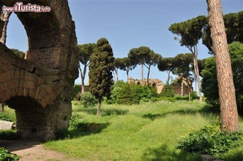 foro romano ingresso ingresso orientale foro romano le rovine foto