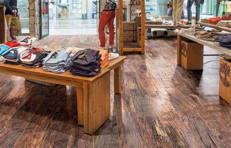 pavimento in finto legno pavimenti ceramica finto legno